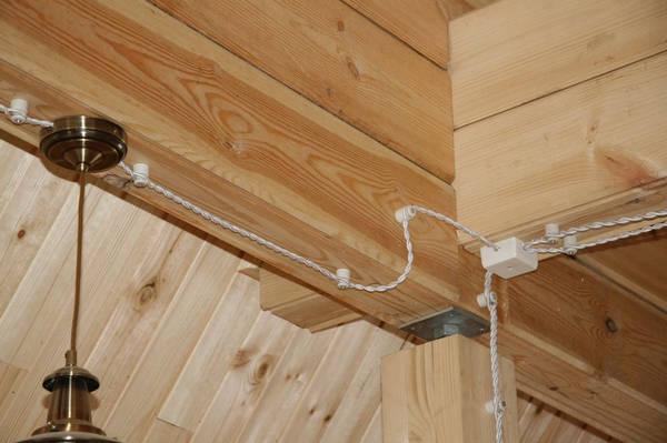 Монтаж электропроводки в деревянном доме